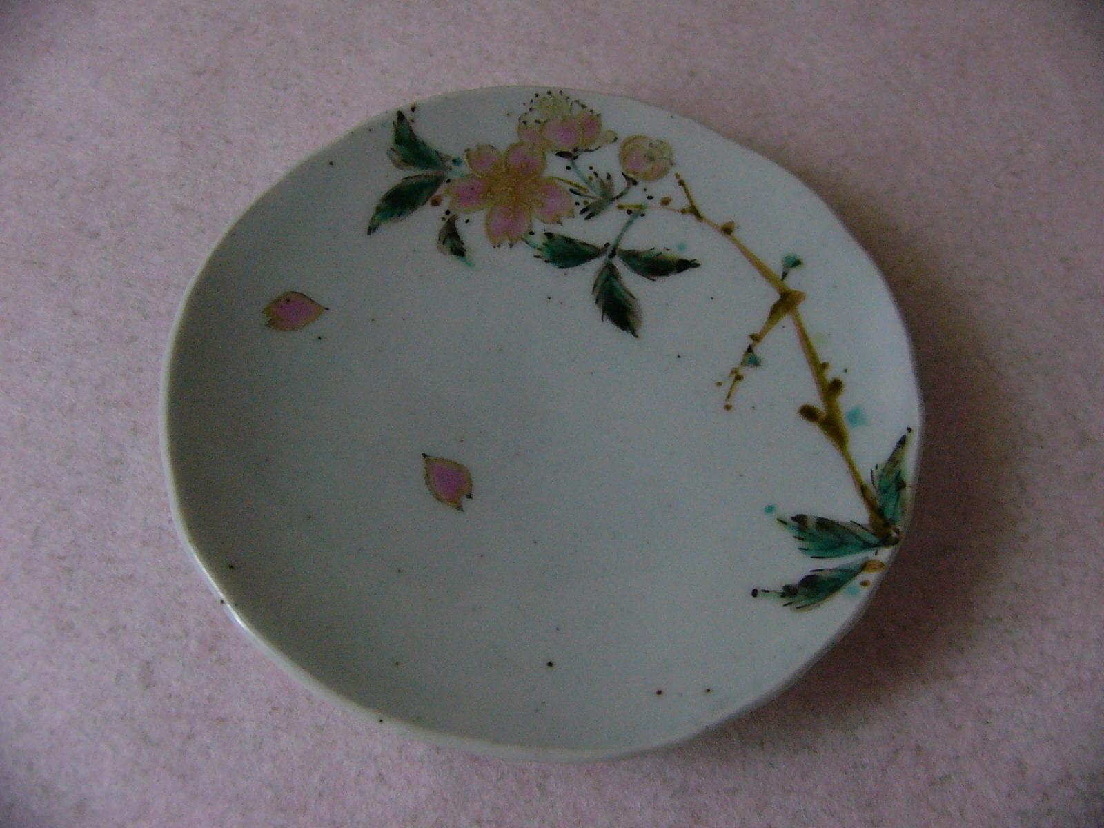 色絵桜紋小皿3.JPG